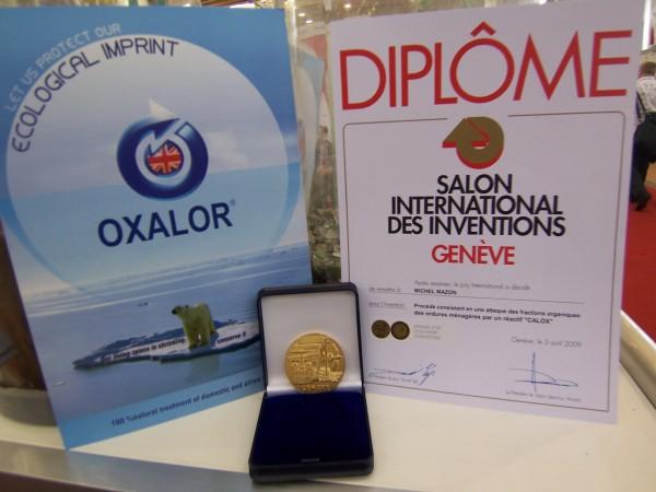 Diplôme et medaille